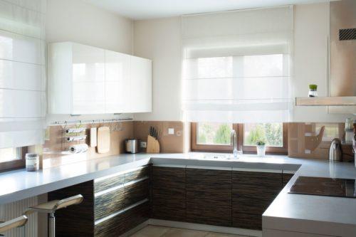 Nuances transparentes dans la cuisine.