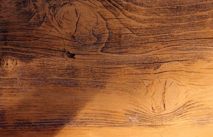 Choisir un papier à poncer pour le bois